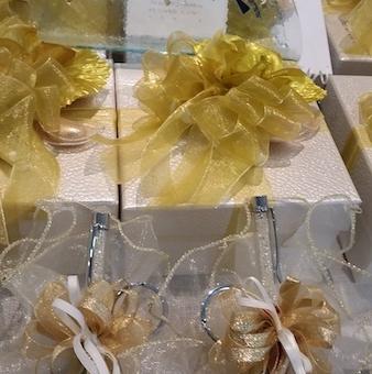 Confezioni Per Bomboniere Matrimonio.Confezioni Per Bomboniere E Confetti Per L Anniversario Di Nozze